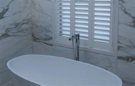 best type of blinds for bathrooms best type of blinds for bathrooms 28 images 3 bathroom window treatment types and