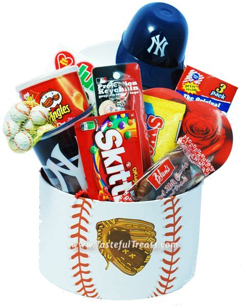 gifts for yankees fans 71 best gifts for york yankees fans images on