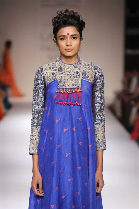 jacket design in pakistan vaishali s collection at lakme fashion week winter festive