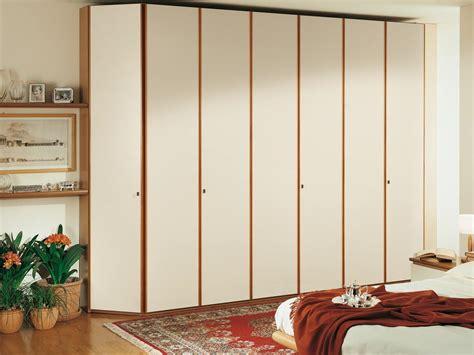maniglie per armadi moderni armadio moderno con maniglie ergonomiche idfdesign