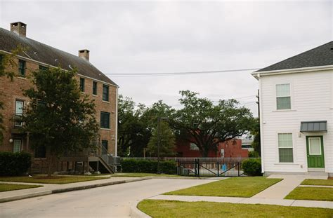 shared housing after katrina new orleans public housing is a mix of
