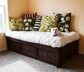 Daybed With Storage White Daybed With Storage Trundle Drawers Diy Projects