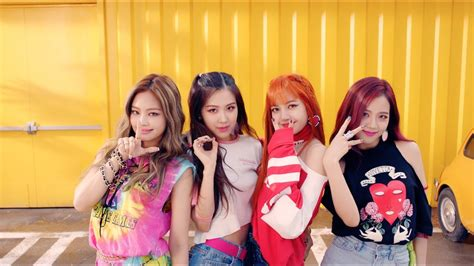 blackpink group blackpink breaks another k pop group record this time for