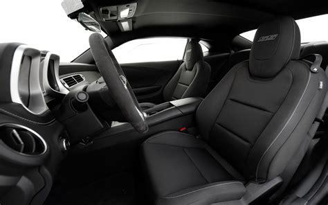 2013 Chevy Camaro Interior by 2013 Chevrolet Camaro Ss 1le Test Motor Trend