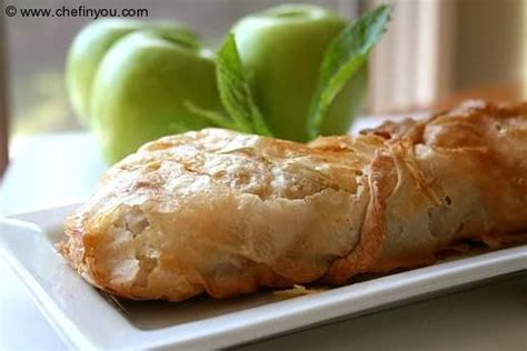 apple austria traditional austrian apple strudel with homemade phyllo