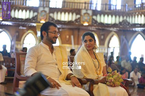Wedding Photo Stills by Muktha Wedding Stills Photos Onlookersmedia