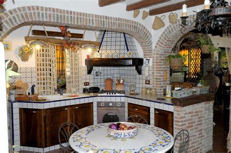 cucina in muratura immagini cucine finta muratura sistemi componibili