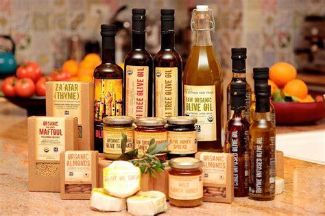 Jenis Dan Minyak Zaitun canaan fairtrade poevoo palestinian organic olive jenis minyak zaitun