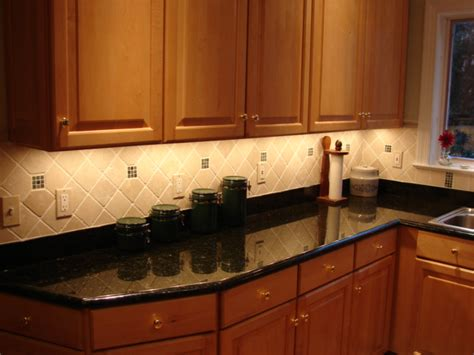Under Cabinet Lighting In Kitchen by Led Lights For Under Cabinets In Kitchen