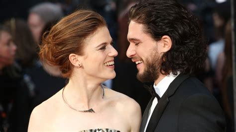 game of thrones actor engaged report game of thrones stars kit harington rose leslie