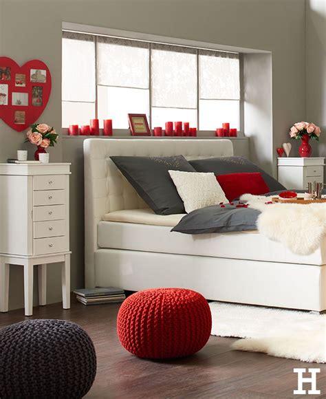 romantisches schlafzimmer mit kerzen tentfox