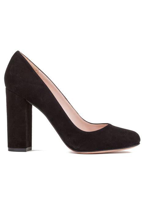 zapatos salon zapato de sal 243 n con tac 243 n alto en ante tienda de zapatos