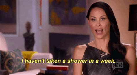 Shower Gif by 20 Easy Things You Re Always Really Proud Of Yourself For