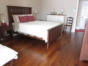 Bed Frame Rolls On Wood Floor Knowing Vinyl Wood Plank Flooring Pros And Cons Traba Homes