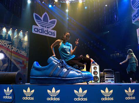 2ne1 concert hong kong adidas unite all originals blackjack hk eason chan