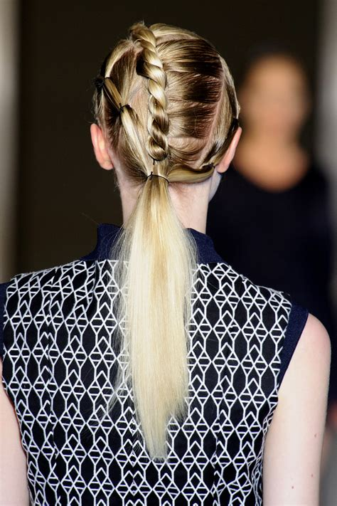 easy hairstyles with one hair tie hairstyles you can do with one hair tie easy hair ideas