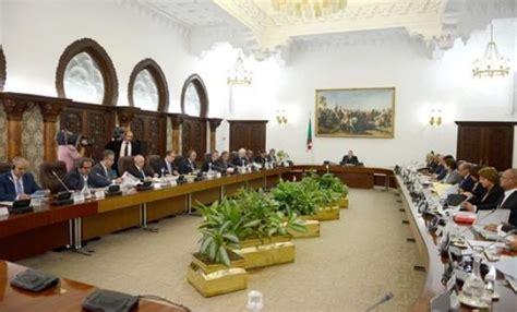 il presidente consiglio dei ministri il presidente bouteflika presidia il consiglio dei
