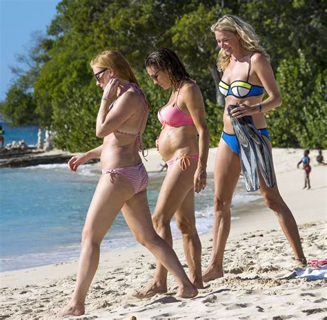 beach girls 1 sarah non 03 jodie kidd hot girls wallpaper