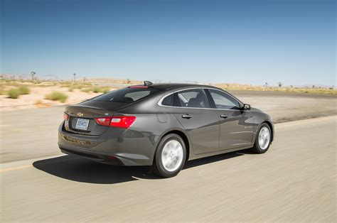 2016 chevrolet malibu 20t first test review motor trend 2016 chevrolet malibu 20t first test review motor trend