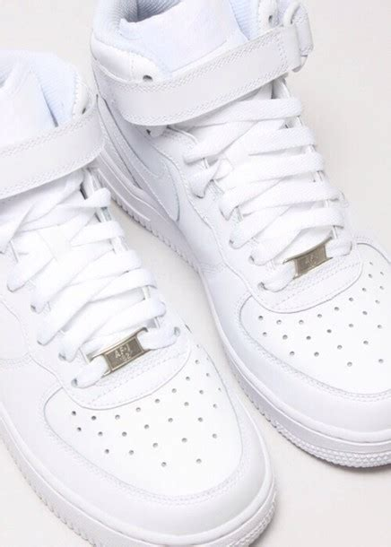 cool white sneakers shoes cool white clean af shoes nike sneakers