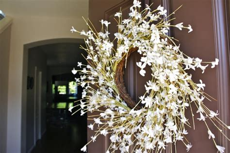 pretty dubs how to hang a door wreath without nails pretty dubs how to hang a door wreath without nails