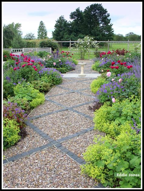 Cottage Garden Planting With Brick And Gravel Path Planting A Cottage Garden