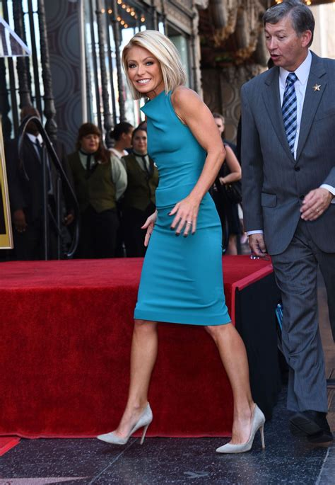 kelly ripa new home 2015 kelly ripa receives her star on the hollywood walk of