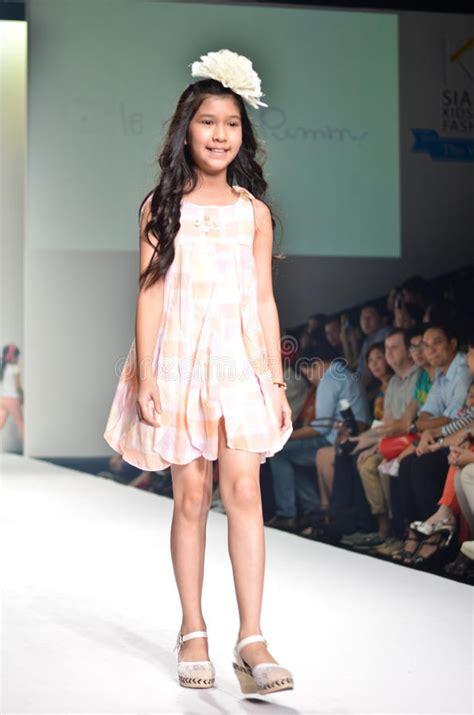 imgmaze m thailand bangkok oct 2013 a model walks the runway at