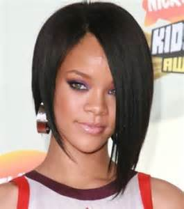 photo rihanna adopte la coupe de cheveux carr 233 plongeant