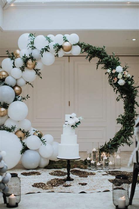 awesome wedding decoration ideas  balloons
