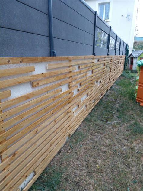 Deco Mur Parpaing by Camoufler Un Mur De Parpaings Avec Des Tasseaux De Bois