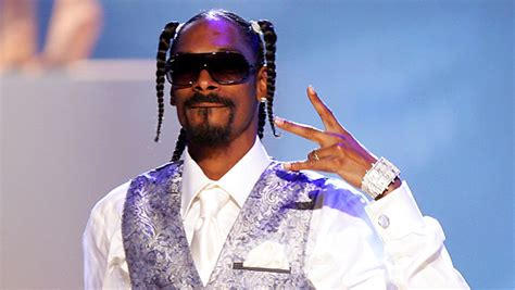 snoop dogg bathtub 10 iconic musicians from los angeles
