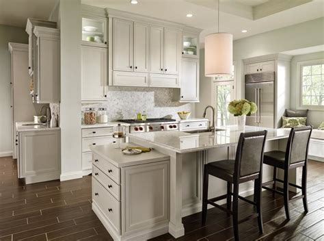 Decora Kitchen Cabinets Decora Braydon Manor Kitchen Traditional Kitchen Other Metro By Masterbrand Cabinets Inc