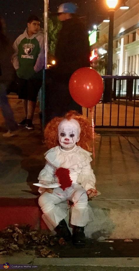 pennywise  child costume photo