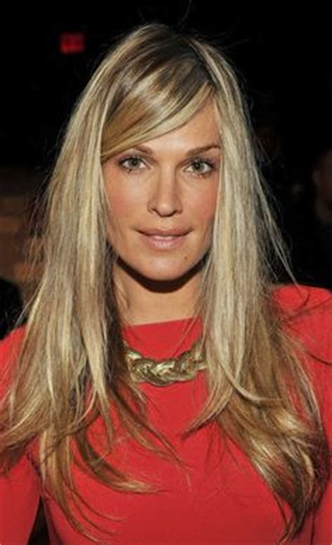 molly sims chin length for thin fine hair long slightly inverted bob caramel color on level 6 my