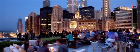 loop roof instagram chicago rooftop bars chicago the terrace