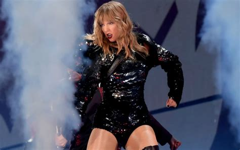taylor swift concert wristbands 2018 taylor swift s reputation tour isn t a disaster it s a