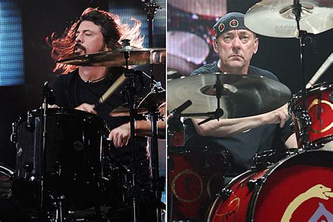 foo fighters fan club presale code foo fighters dave grohl and taylor hawkins to induct rush