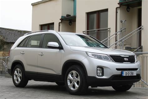 Find Kia Sorento Kia Sorento Review Carzone New Car Review