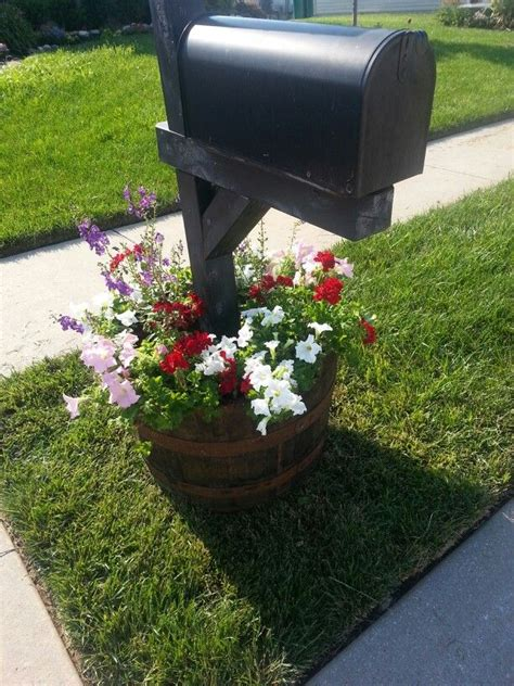 Mailbox Planter Ideas by 17 Best Images About Outdoor Mailbox Ideas On Gardens Unique Mailboxes And Planters