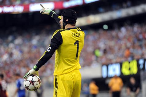 chelsea keeper arsenal sign chelsea goalkeeper petr cech says report
