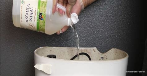 Bathtub Cleaning Tricks by Bathtub Cleaning Tricks These Are The 7 Genius Cleaning Tricks For Your Bathroom