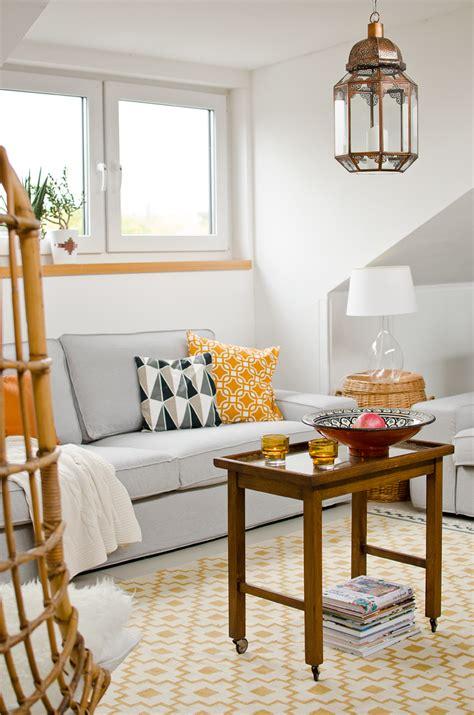 rosa und grünes wohnzimmer farbpalette wandfarben altrosa