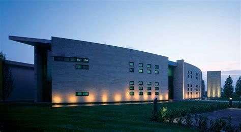 design manufacturing england aston martin invests millions in new manufacturing