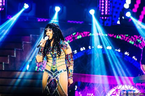 cher concert tour 2014 photos cher bankers life fieldhouse indianapolis 2014