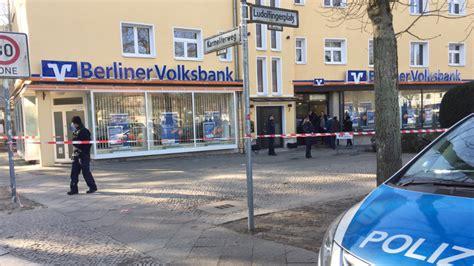berliner bank frohnau angestellte mit maschinenpistolen bedroht masken trupp