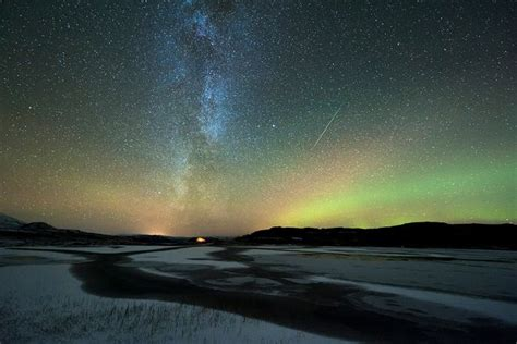 What Time Does The Meteor Shower Start Tonight by Orionid Meteor Shower 2016 Reaches Its Peak As Dazzling
