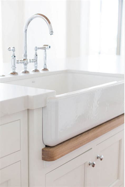 Farm Sink Faucet 20 Ideas On How To Design A Transitional White Kitchen