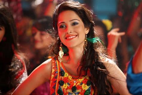 actress name of pyar ka punchnama 16 hot spicy photo s of nushrat bharucha pyaar ka