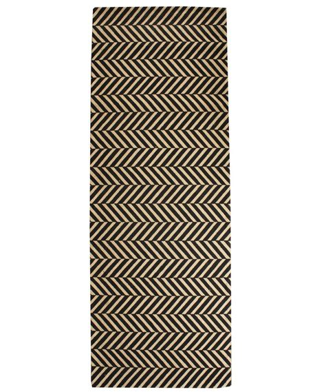 Herringbone Runner Rug Herringbone Sisal Runner Black 2 5 X 7 High Market